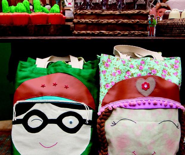 Sacolas de Lampião e Maria Bonita foram as lembrancinhas  (Foto: Bruna Jacubovski)