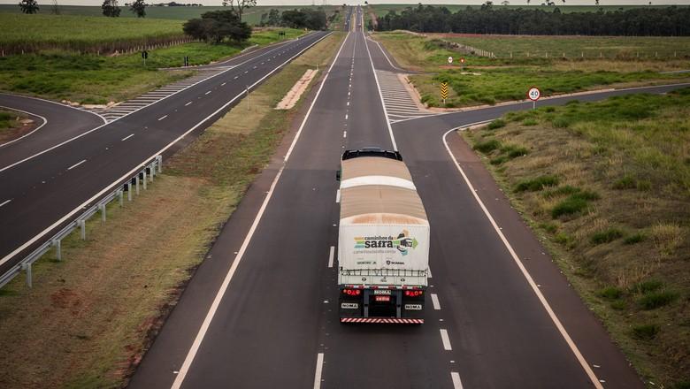 caminhão-caminhos-da-safra- (Foto: Marcelo Curia/Ed.Globo)