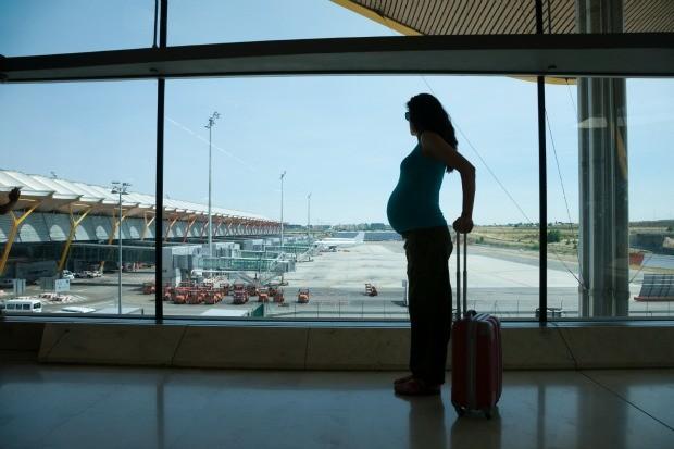 Cuidados que mulheres grvidas precisam ter ao viajar de avio (Foto: Getty Images)