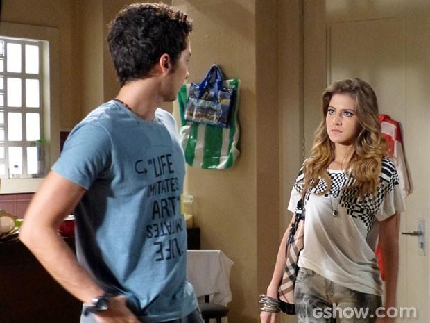 Sofia chegou matadora e terminou o namoro sem rodeios! (Foto: Malhação/ TV Globo)