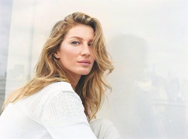 Gisele Bündchen surge fresh (e linda!) na nova campanha de beleza da Chanel (Foto: Divulgação)