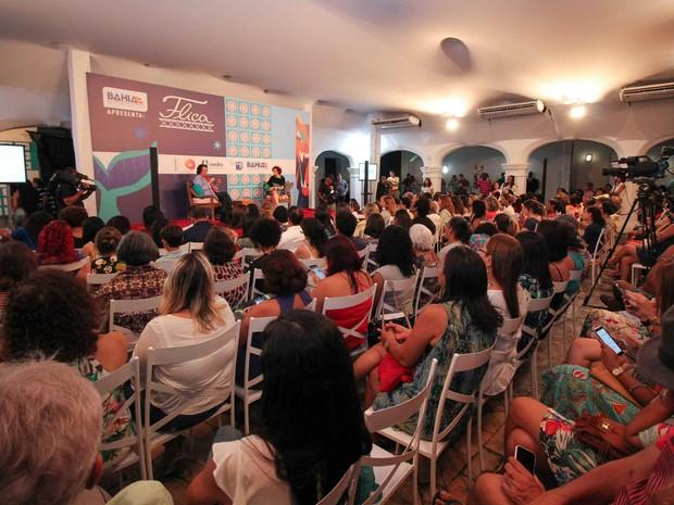 Homenageada, Ana Maria Machado foi ovacionada ao aparecer no palco (Foto: Egi Santana/Flica)
