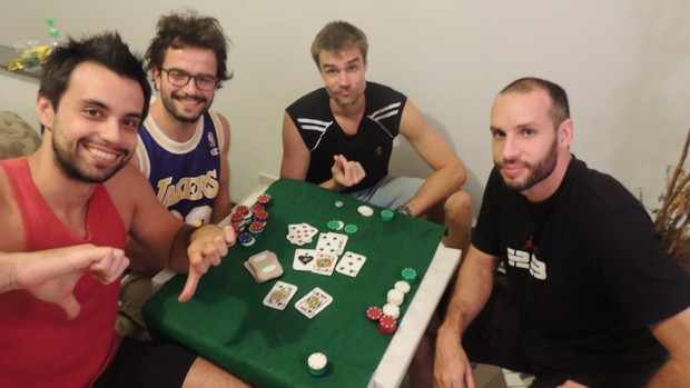 Pôker também é um dos esportes que os jogadores de Mogi das Cruzes praticam (Foto: Thiago Fidelix)