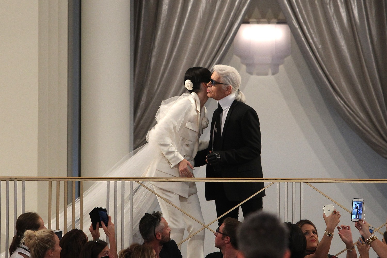 Kendall Jenner e Karl Lagerfeld (Foto: Antonio Barros)