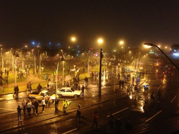 Manifestação foi considerada pacífica pela Polícia Militar (Foto: Cassiane Seghatti/G1)