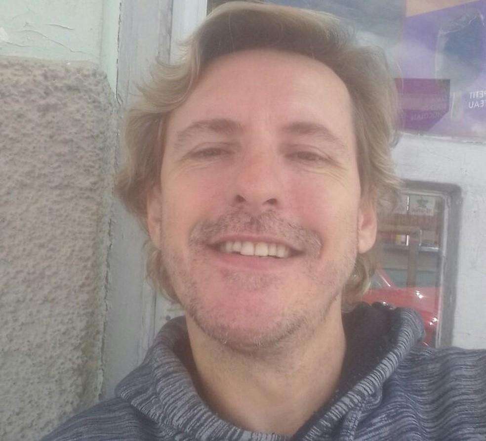 Policial Alessandro Veiga, de 46 anos, foi encontrado morto em São José (Foto: Arquivo pessoal)