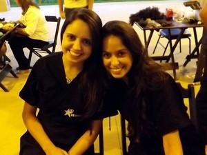 Larissa e Gabriela estudam em outra faculdade, mas também participaram (Foto: Jéssica Pimentel/G1)