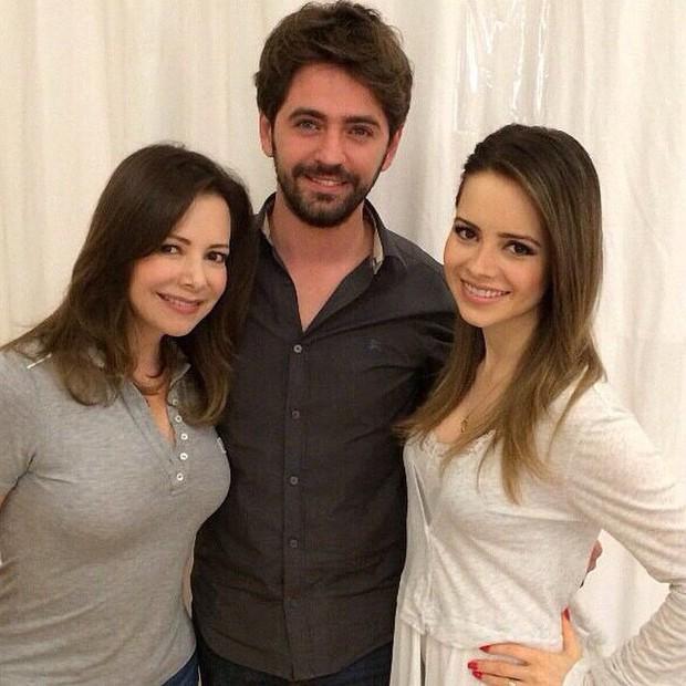 Noely e Sandy com o Jackson Nunes em salão (Foto: Instagram/ Reprodução)