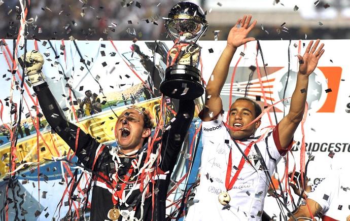 Rogério Ceni e Lucas, São Paulo e Tigre (Foto: Agência AFP)