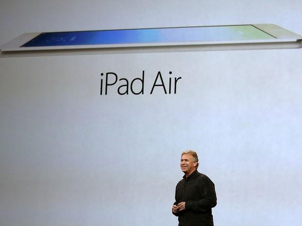 Phil Schiller, vice-presidente de marketing da Apple, apresenta o novo iPad Air. (Foto: Justin Sullivan/France Presse)