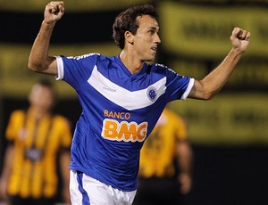 thiago ribeiro cruzeiro gol guarani-par (Foto: ag&#234;ncia Reuters)