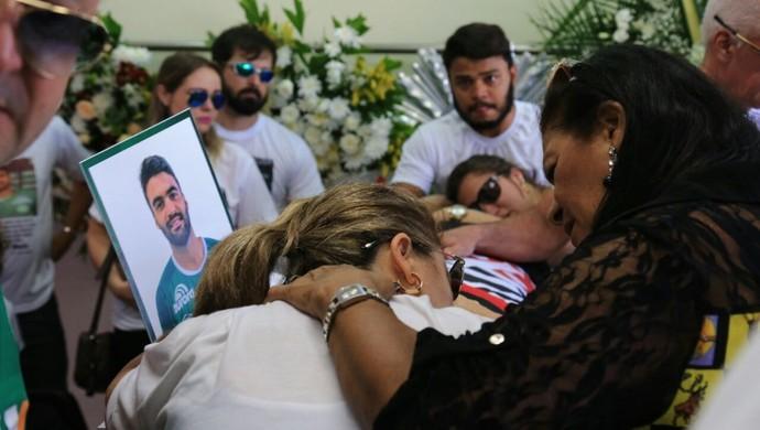 Velório Arthur Maia Maceió Chapeceonse (Foto: Ailton Cruz / Gazeta de Alagoas)