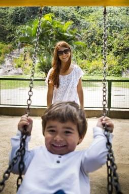 (Foto: Mariah Rocha posa com filho / Foto: Paula Giolito)