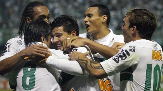 Atletas do Coritiba comemoram vitória do Coritiba sobre o Grêmio (Foto: Divulgação / Coritiba)
