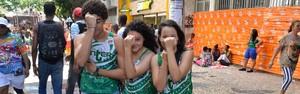 Foliões 'sofrem' dançando arrocha (Diogo Macedo/Ag. Haack)