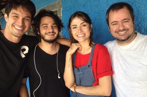 Rômulo Estrela, César Cardadeiro, Maria Casadevall e o preparador de elenco Luiz Mario Vicente (Foto: TV Globo)