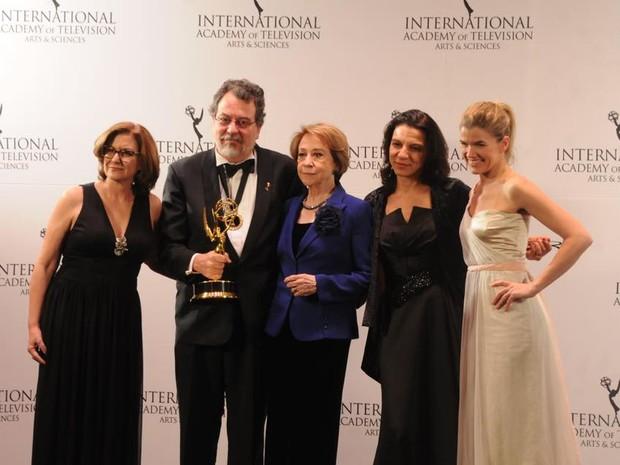 Doce de Mãe leva prêmio no Emmy Internacional 2015 (Foto: Facebook/iemmys)