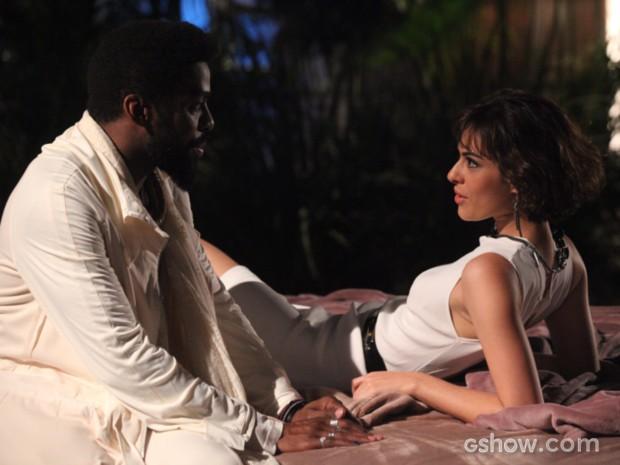 Evangelina vai encantar Brian Benson (Foto: Carol Caminha / TV Globo)