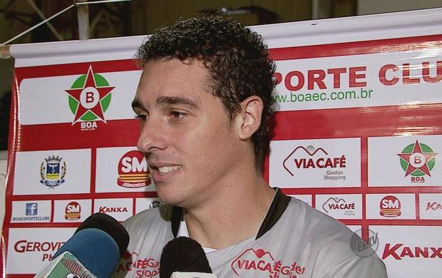 No 2º jogo como titular do Boa, Leandro se firma com belas defesas (Foto: Reprodução EPTV)