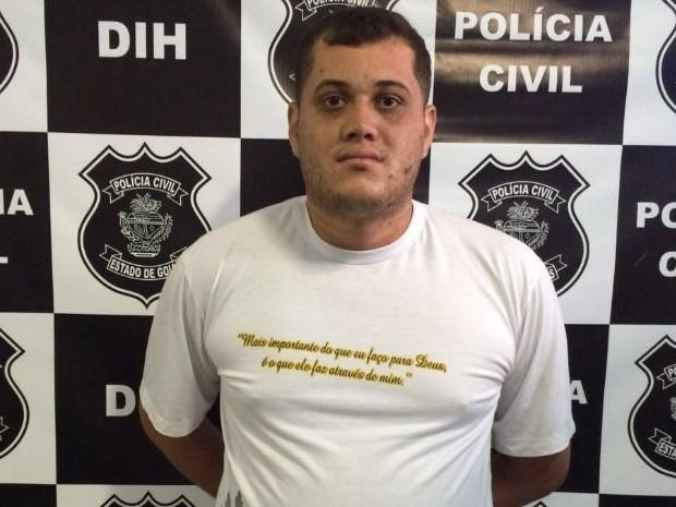 Natanael Barbosa da Silva é preso suspeito de participar da morte do tio, em Goiânia, Goiás (Foto: Divulgação/ Polícia Civil)