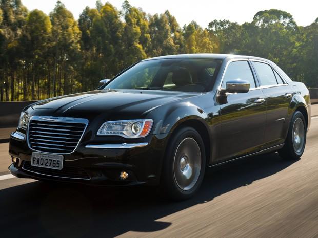 Chrysler 300C 2012 (Foto: Divulgação)