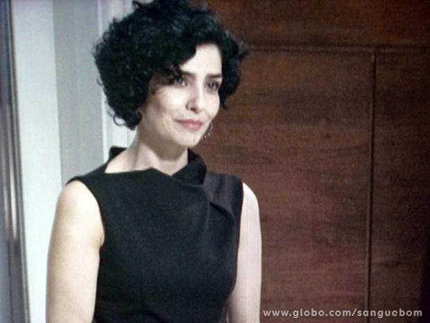 Verônica se despede dos amigos (Foto: Sangue Bom/TV Globo)