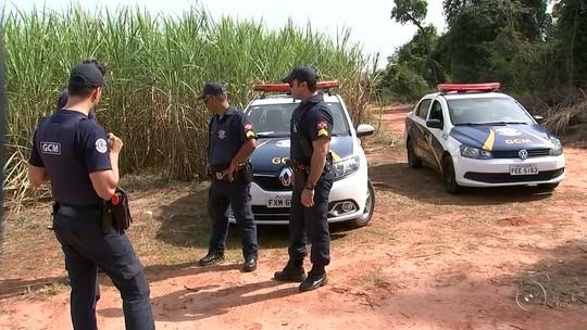 Polícia investiga morte de dois homens achados em canavial