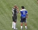 Adriano marca, e Miami United vence amistoso com tumulto por Ronaldinho