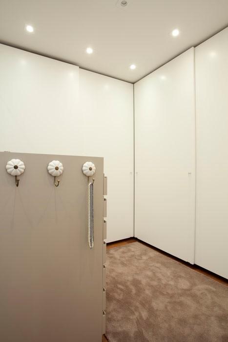 Beatriz Quinelato; apartamento; closet (Foto: Divulgação)