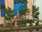 Artista plástico expõe mais de 200 presépios em igreja de São Carlos