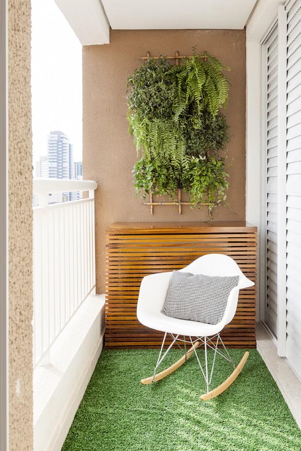 apartamento pequeno ganha reforma r pida e decora o colorida casa e jardim decora o. Black Bedroom Furniture Sets. Home Design Ideas
