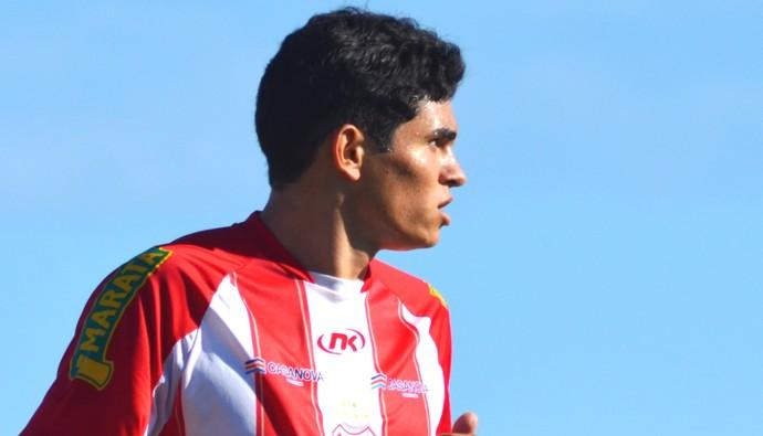 Pirambu comemorou o aniversário no  amistoso (Foto: Felipe Martins/GLOBOESPORTE.COM)