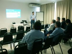 Reunião foi na manhã desta quarta-feira (16) (Foto: Stephanie Fonseca/G1)