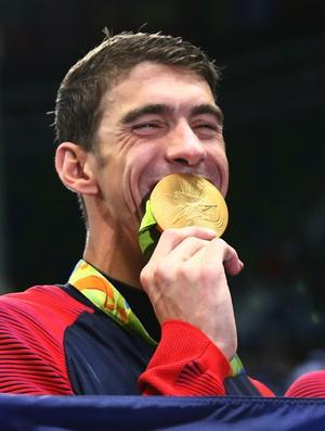 Michael Phelps; medalha de ouro 4x100m medley (Foto: Reuters)