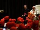 Papa diz a crianças que 'imigrantes não são perigosos, mas estão em perigo'