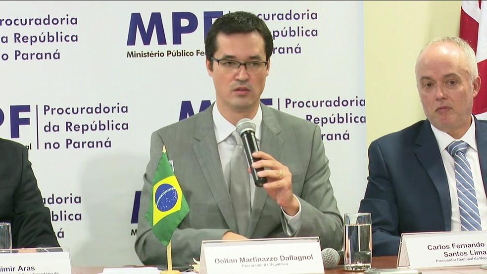 Nota dos procuradores da força-tarefa foi divulgada na noite desta quarta-feira (Foto: Reprodução/TV Globo)