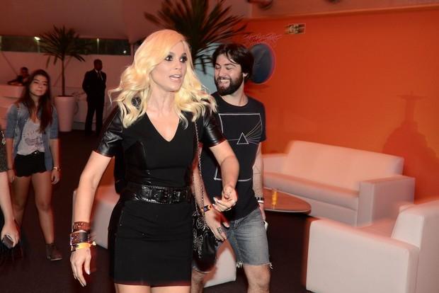 Flávia Alessandra chegando ao Rock in Rio (Foto: Roberto Teixeira/ EGO)
