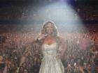 Mariah Carey posta foto durante show na Austrália: 'Fãs incríveis'