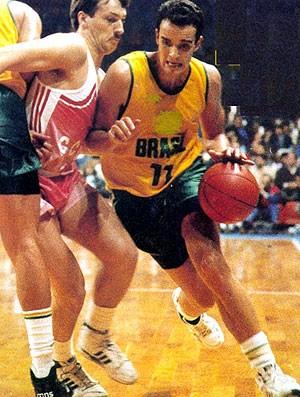 Marcel seleção de basquete 1979 (Foto: Divulgação)