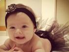 Bebê fashion! Filha de Eloah veste modelitos charmosos: 'minha boneca'