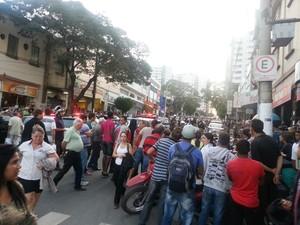 Crime parou o Centro da cidade em Divinópolis (Foto: Anna Lúcia Silva/G1)