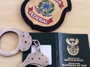 Polícia Federal prendeu em flagrante mais um estrangeiro que fraudou passaporte (Foto: Polícia Federal)