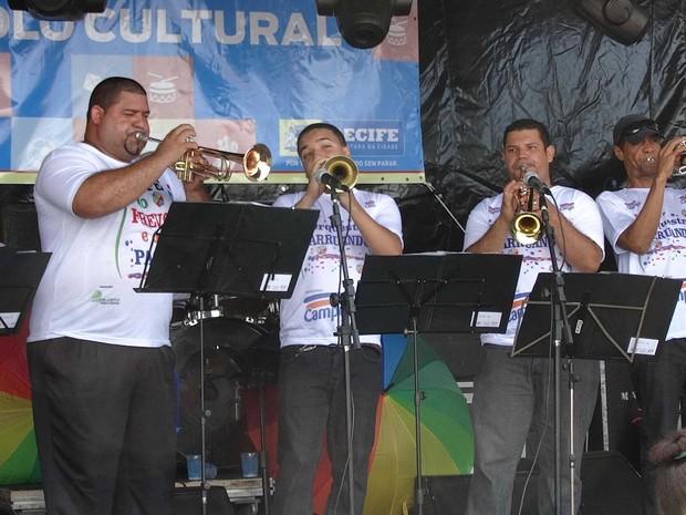 Orquestra Arruando se apresenta no Bairro do Recife (Foto: Divulgação)