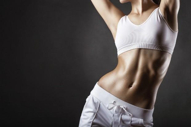 Personal trainer lista 7 hábitos comuns que te impedem de perder peso
