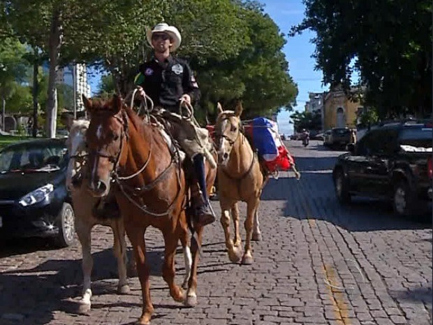 Cavaleiro das américas chega ao Brasil por Corumbá (Foto: Reprodução/ TV Morena)