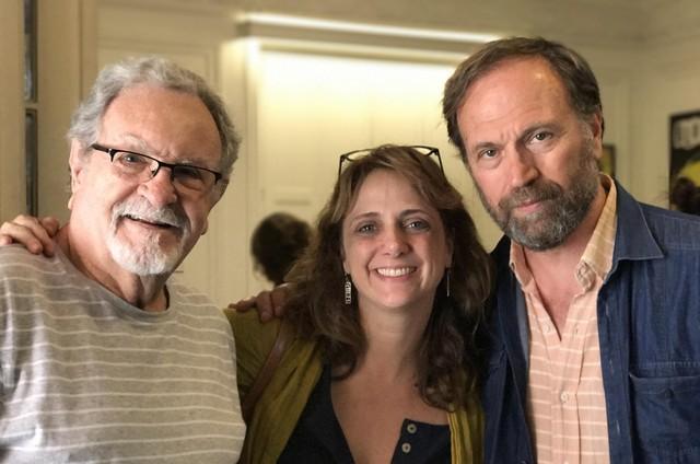Antonio Petrin, Letícia Isnard e o diretor argentino Jorge Gurvich (Foto: Divulgação)
