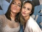 Ana Paula Renault tieta Anitta: 'Papai noel passou mais cedo'
