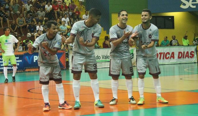 Bairro Portal da Cidade vence o time de Afrânio (Foto: Amanda Lima)
