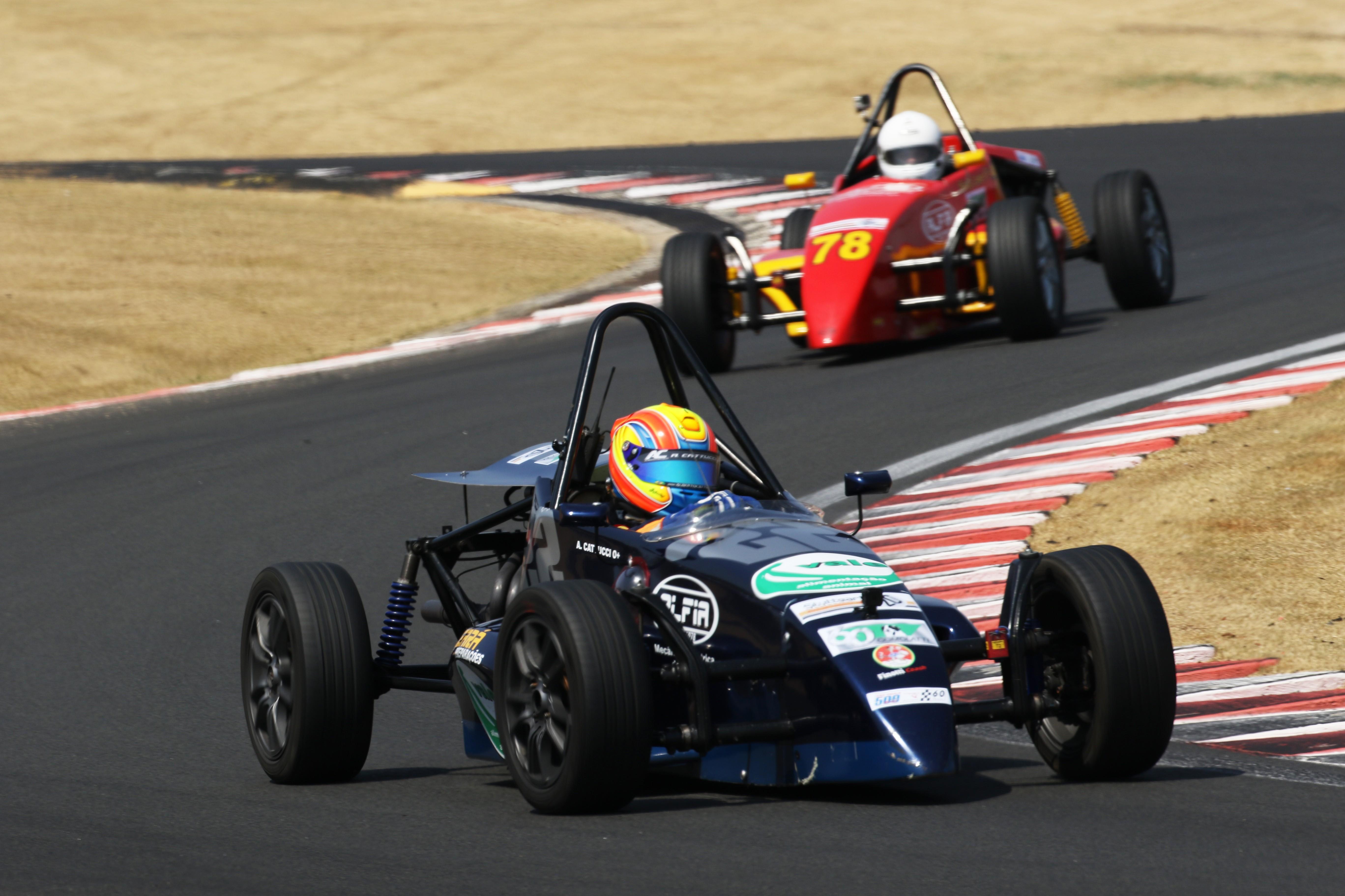Alberto Cattucci saiu vitorioso da primeira corrida da F1600 (Foto: Claudio Kolodzie)