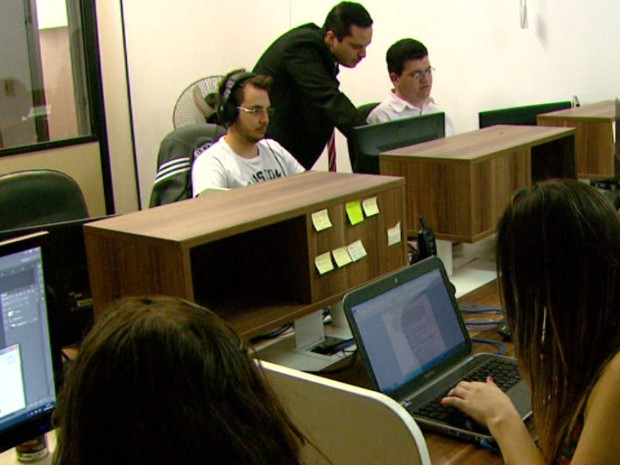 Setor de tecnologia é um dos que continuam com vagas abertas, diz estudo (Foto: Reprodução/EPTV)